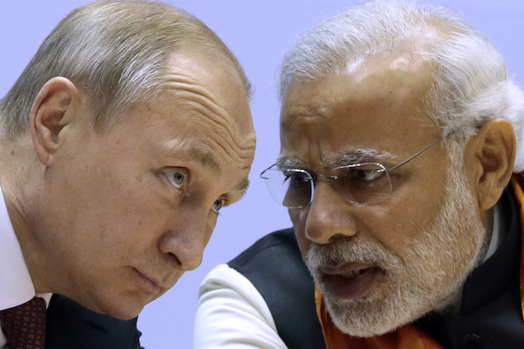 Crisis in Emerging Markets: Why Is India Outperforming Russia?